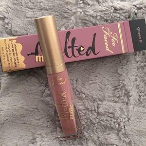 Too faced Liquid to matte Lipstick